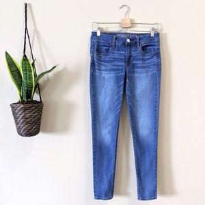 American Eagle Medium Wash Mid Rise Jegging Jean